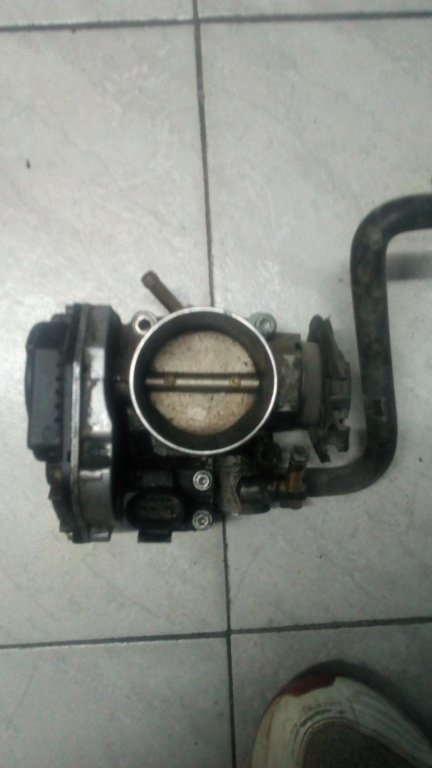 Clapeta accelaratie VW Golf 4 1.6 benzina cod 06A133064J