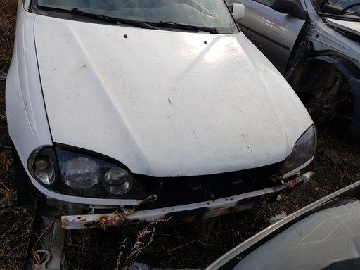 Clapeta acceleratie Toyota Avensis 2000 COMBI 2.0