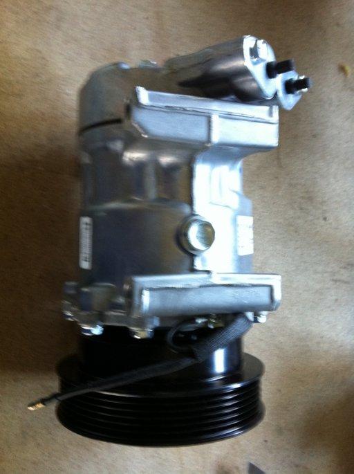 Compresor Ac Renault Clio 2 Symbol Kangoo 8FK351127901