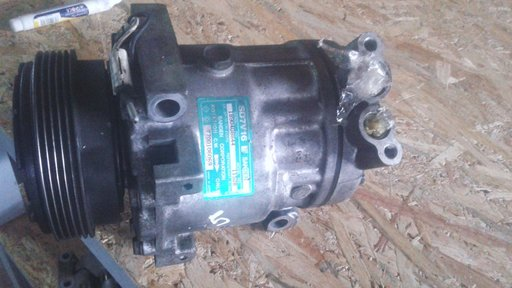 Compresor AC Renault cod: SD7V16 1152B stare buna de functionare
