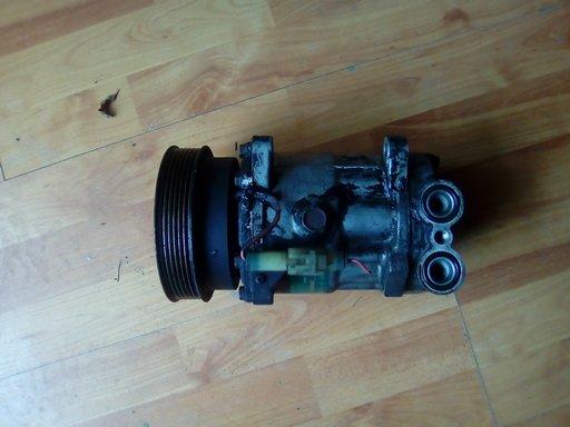 Compresor AC SD7V16