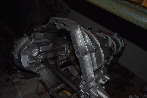 Cutie Viteze Audi A4 B8 2.0 Manuala 6 trepte LLQ
