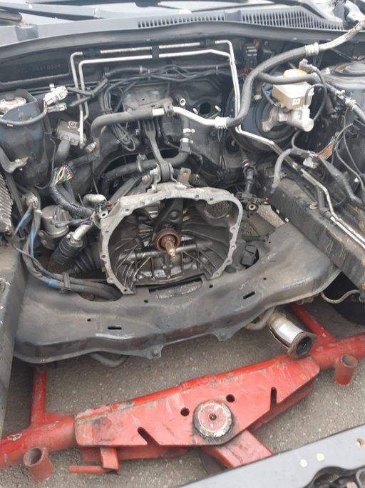 Cutie viteze Subaru Legacy an 2007 , 5 viteze motor 2000 boxer diesel