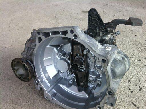 Cutie viteze VW Passat START STOP 1.6 TDI 5 trepte