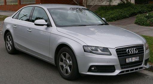 Dezmembram Audi A4 B8 2010