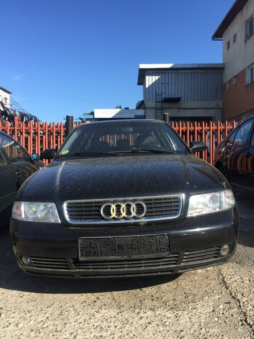 Dezmembram Audi A4 combi - 2001