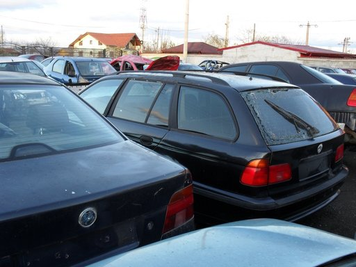 Dezmembram BMW e39