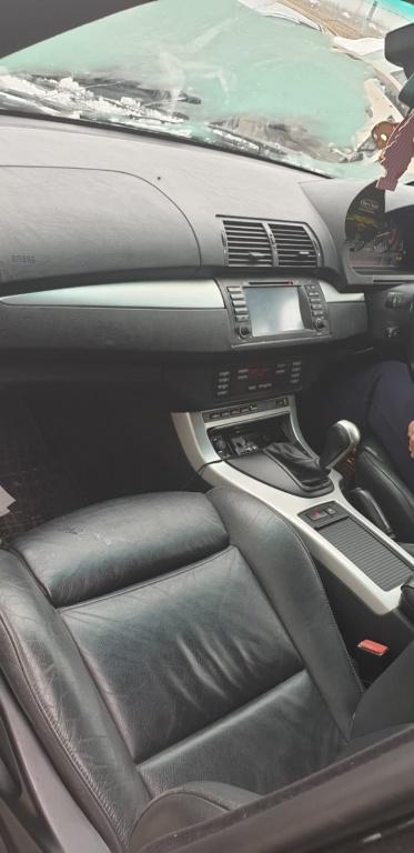 Dezmembram BMW X5 an 2002 3.0 D