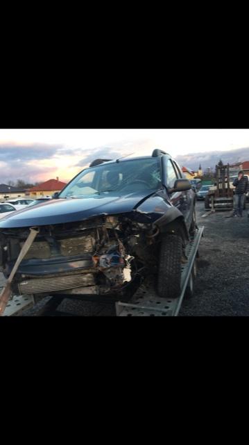 Dezmembram Dacia Duster