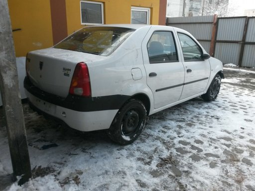 Dezmembram Dacia Logan motorizare 1.4 benzina 100000km
