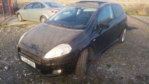 Dezmembram Fiat Grande Punto 1,9 JTD - 2006