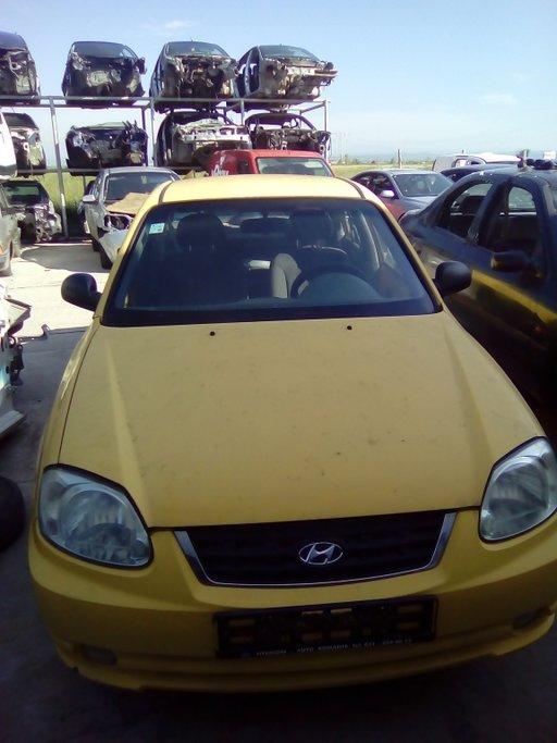 Dezmembram Hyundai Accent 2004 1.3