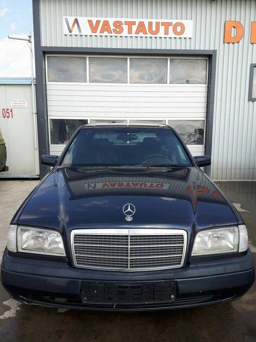 Dezmembram Mercedes - Benz C 180 1 8 benzina