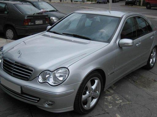 Dezmembram Mercedes Benz C class w203