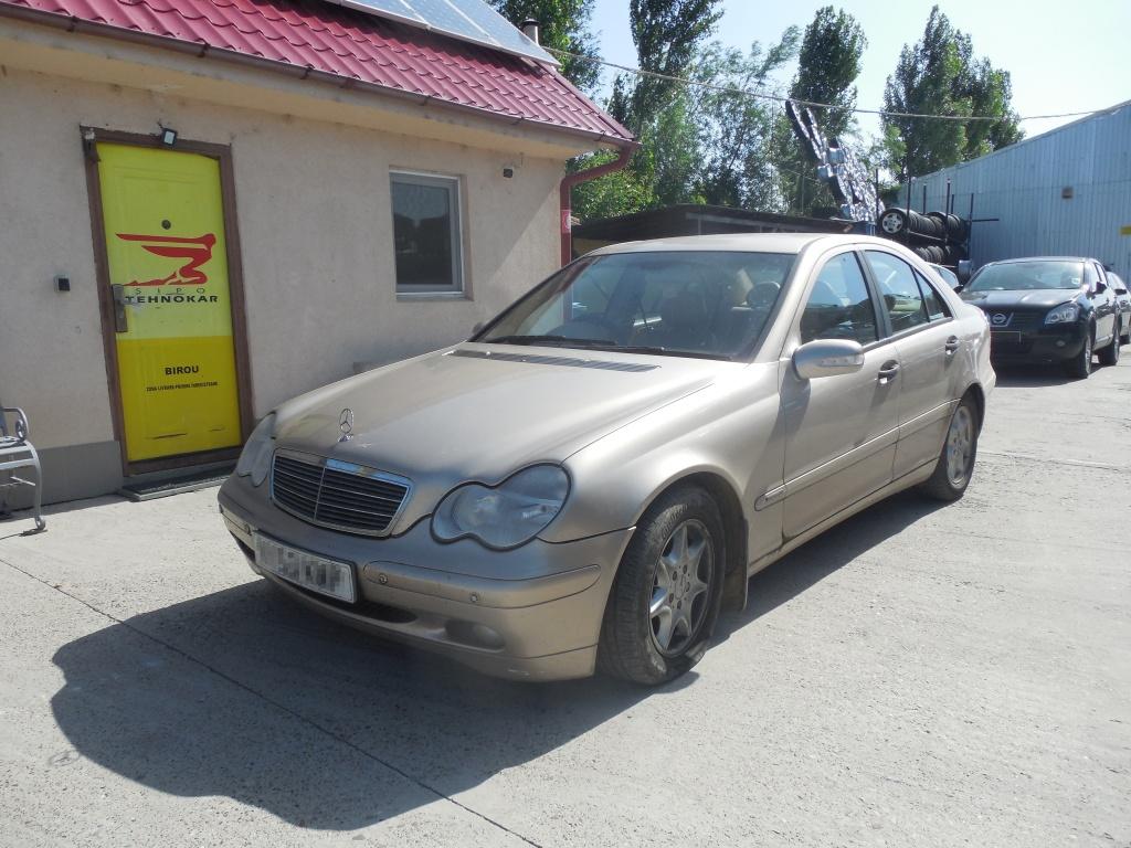 Dezmembram Mercedes-Benz C200 W203 2.2 CDTI An 2003!