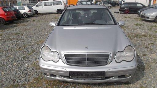 Dezmembram Mercedes C-class W203 2001-2006