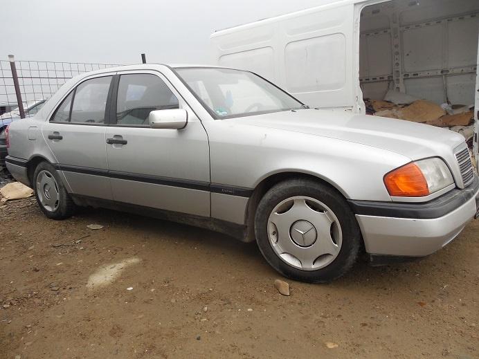 Dezmembram Mercedes C-klasse 1.8benzina An 1996