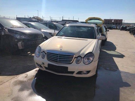 Dezmembram Mercedes E class