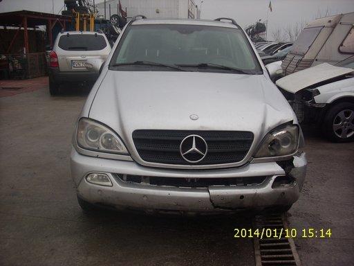 Dezmembram Mercedes ML 270 motor 2.7 D an 2002