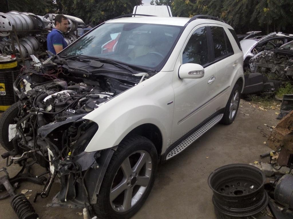 Dezmembram mercedes ml 320 diesel fab.2008
