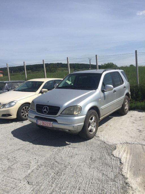 Dezmembram Mercedes ML270
