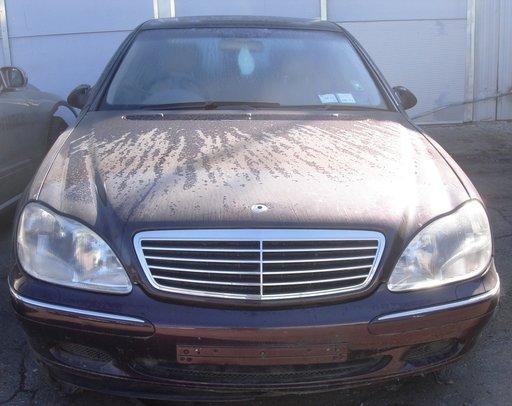 Dezmembram Mercedes S Class 320 benzina, W220, 2000