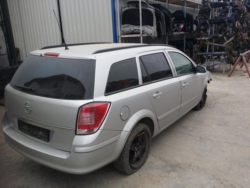 Dezmembram Opel Astra H caravan 1.9 CDTI Z19DT