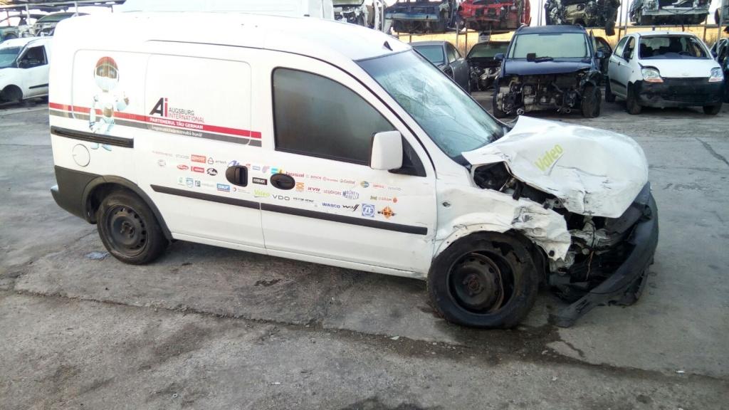 Dezmembram Opel Combo 1.3 CDTI 2010 Z13DTJ