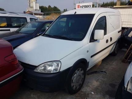 Dezmembram Opel Combo 2002-2010