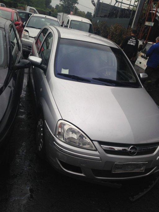 Dezmembram Opel Corsa C 2003