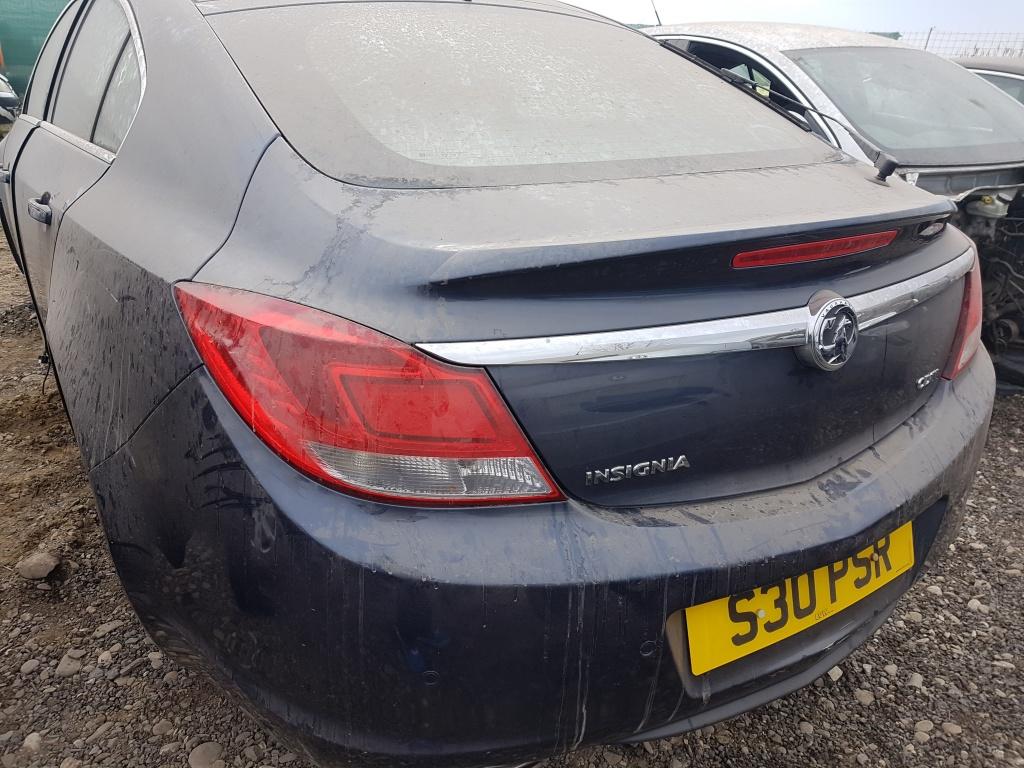 Dezmembram Opel Insignia
