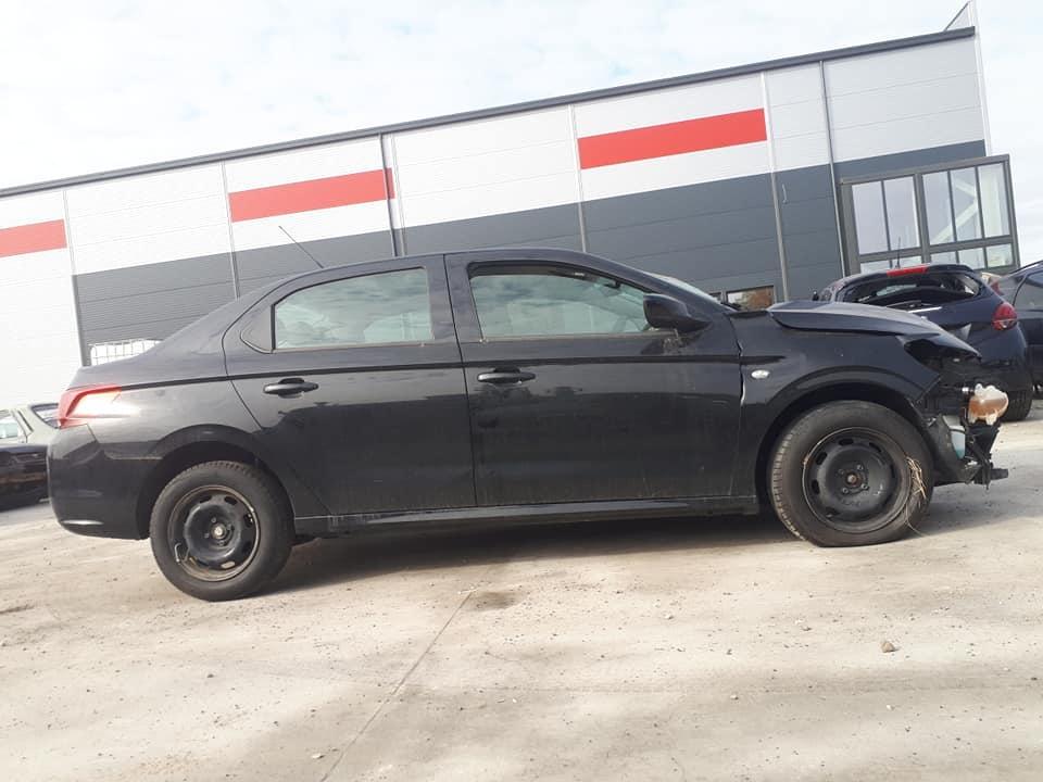 Dezmembram Peugeot 301 2017 1.2 HMZ