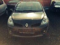 Dezmembram Renault Clio 3 1.6 benzina 2007