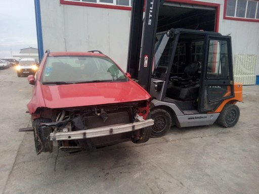 Dezmembram Renault megane 2 combi 2005 1.9 DCI F9Q