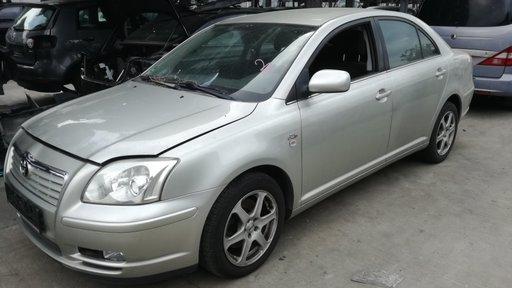Dezmembram toyota avensis sedan fab.2005