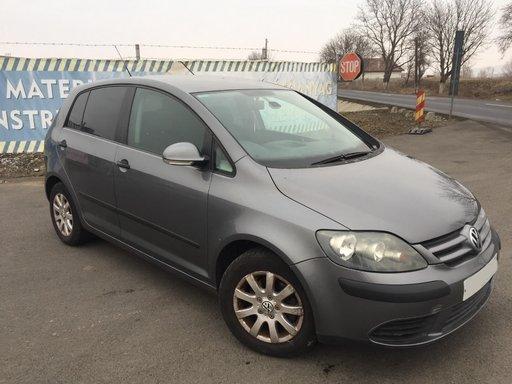 Dezmembram Volkswagen Golf Plus 1.6 benzina 2005