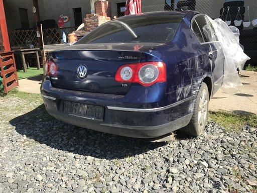 Dezmembram Volkswagen passat b6, an de fabricatie 2007, cod motor Bkc