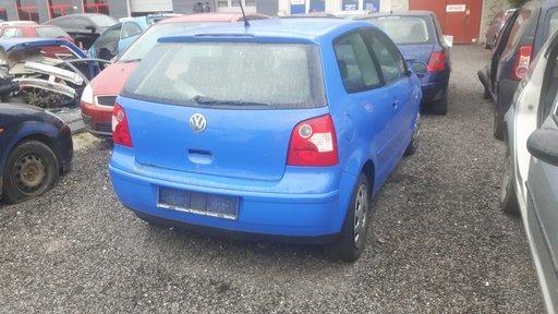 Dezmembram Volkswagen POLO An 2003