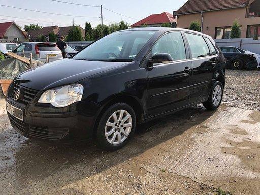 Dezmembram Volkswagen Polo Comfort 1.4 benzina 2007