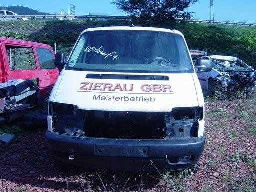 Dezmembram Volkswagen T4 2.5 D 102 CP 2001