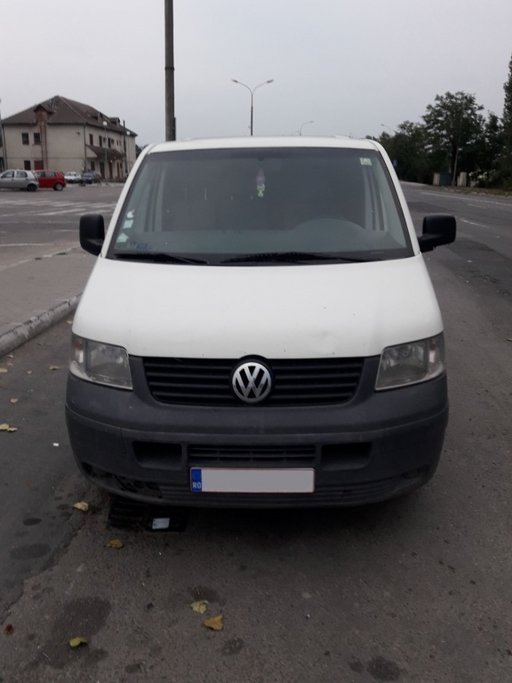 Dezmembram Volkswagen Transporter T5