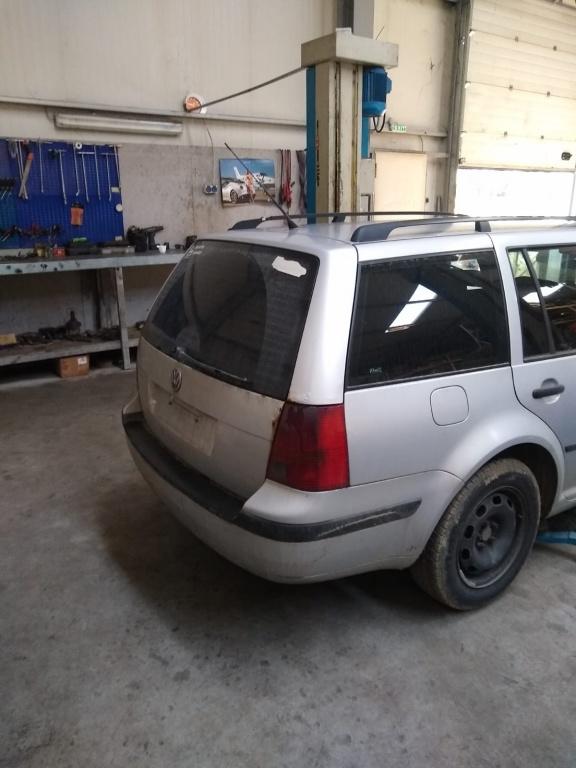 Dezmembram VW Golf 4 brek 1.9 TDI 90 CP, AGR, '2000