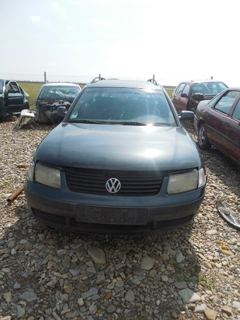 Dezmembram VW Passat motor 1.8 benzina an 1999