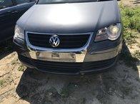Dezmembram VW Touran facelift an 2007 motor 1,9 BXE