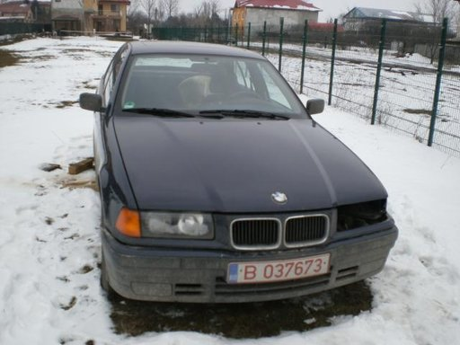 Dezmembrari BMW E36 318i
