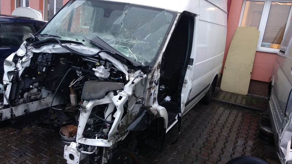 Dezmembrari dezmembrez piese auto Ford Transit 2013 2.2tdci DRFB 6+1T 177.000km