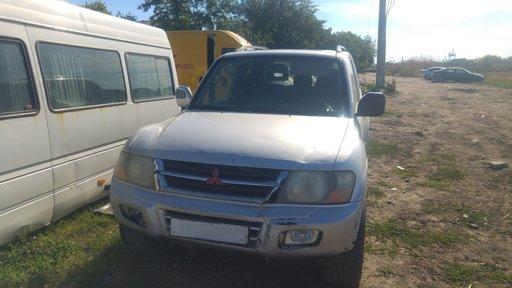 Dezmembrari Mitsubishi Pajero 2003 3.2 diesel auto