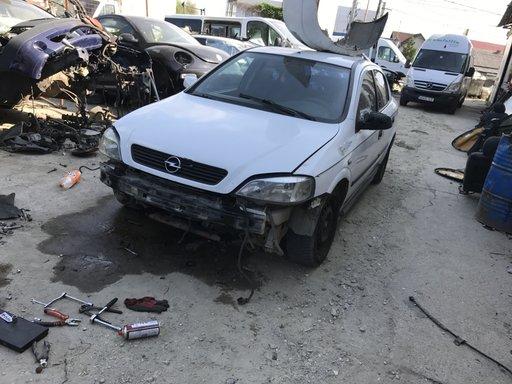Dezmembrari Opel Astra G hatchback 2002
