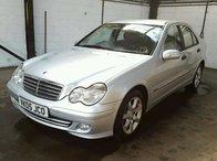 Dezmembrez 2005 Mercedez Benz C 220 facelift motor 646963 30 230955 cutie 722699 05 331532