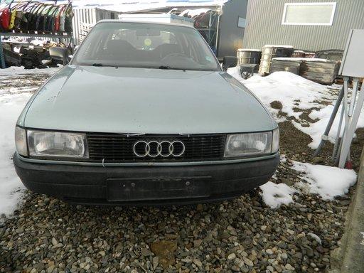 Dezmembrez Audi 80 1.8 din 1991